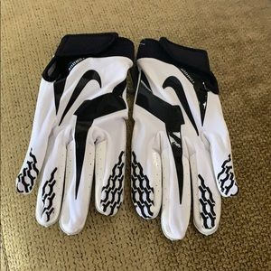 New Nike Torque NFL Skill Gloves Size Large